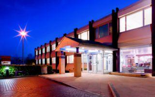 Kinetic Business Centre, Theobald Street, WD6 4PJ